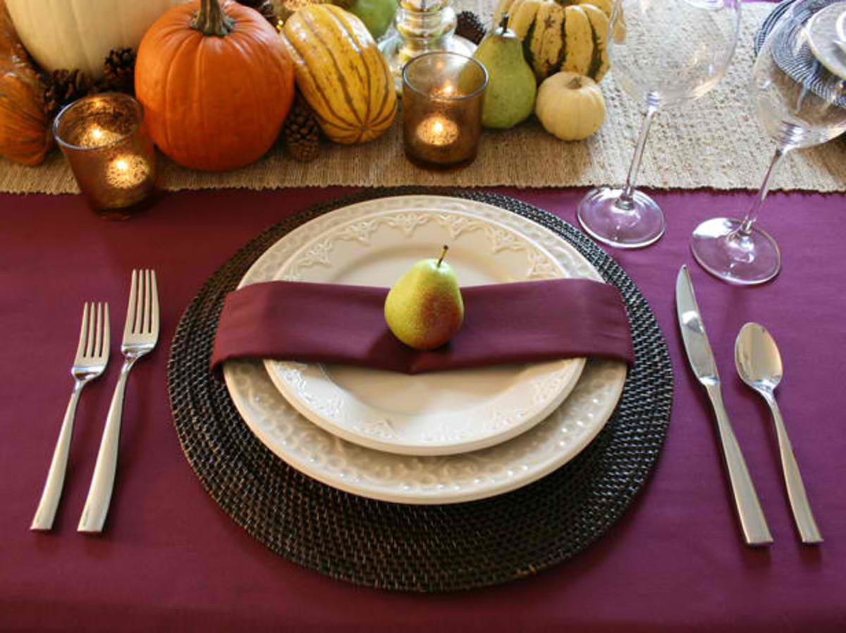 Pear Thanksgiving Setting