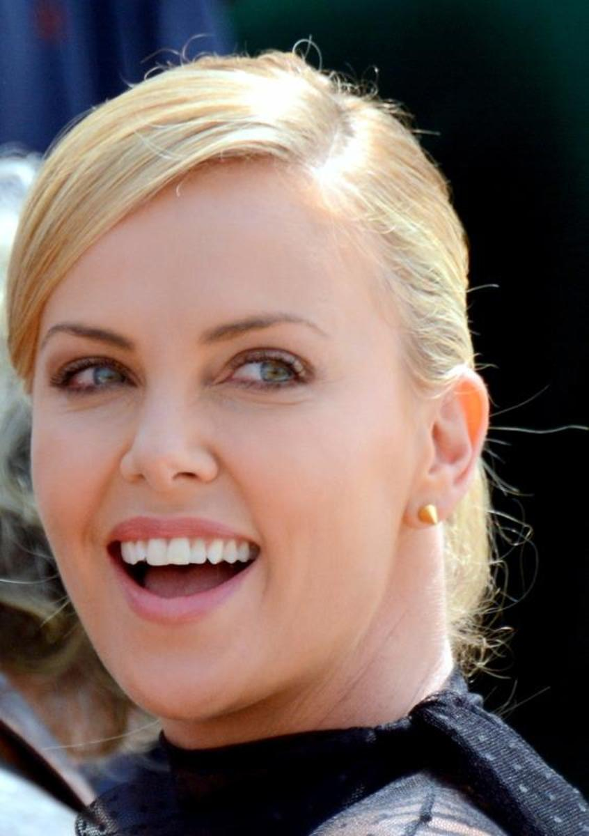 Charlize_Theron_Cannes_2015_4