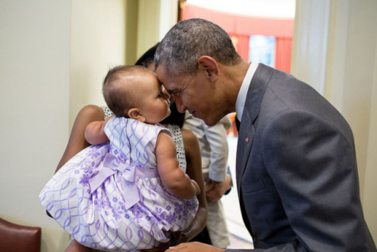 The 30 Cutest Photos of President Obama with Kids