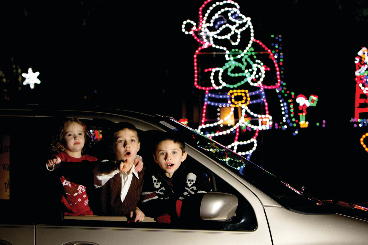 Visiting Santa Claus' Land Of Lights is a great way to spend holidays with kids. (Courtesy Spencer County Visitors Bureau)
