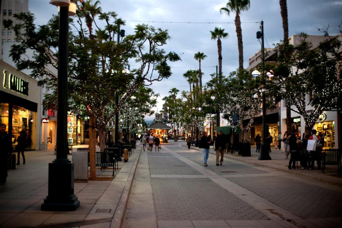 Insider-Guide-Santa-Monica-6b027eaf8c0a4ee9a6f6a9c06b332963