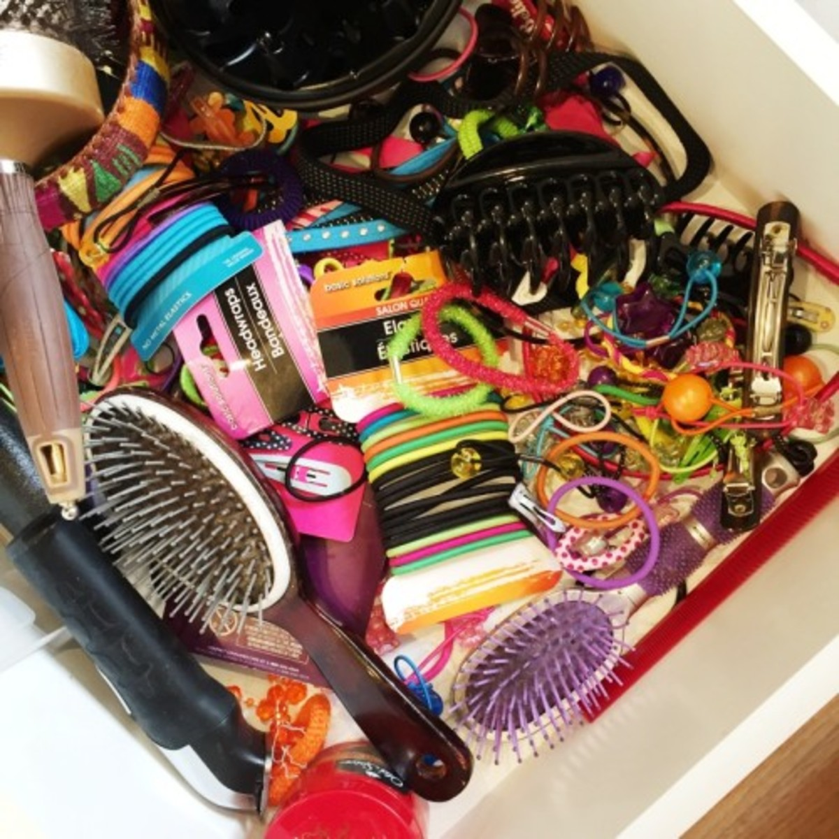 (I know I'm not the only one with a drawer like this.)