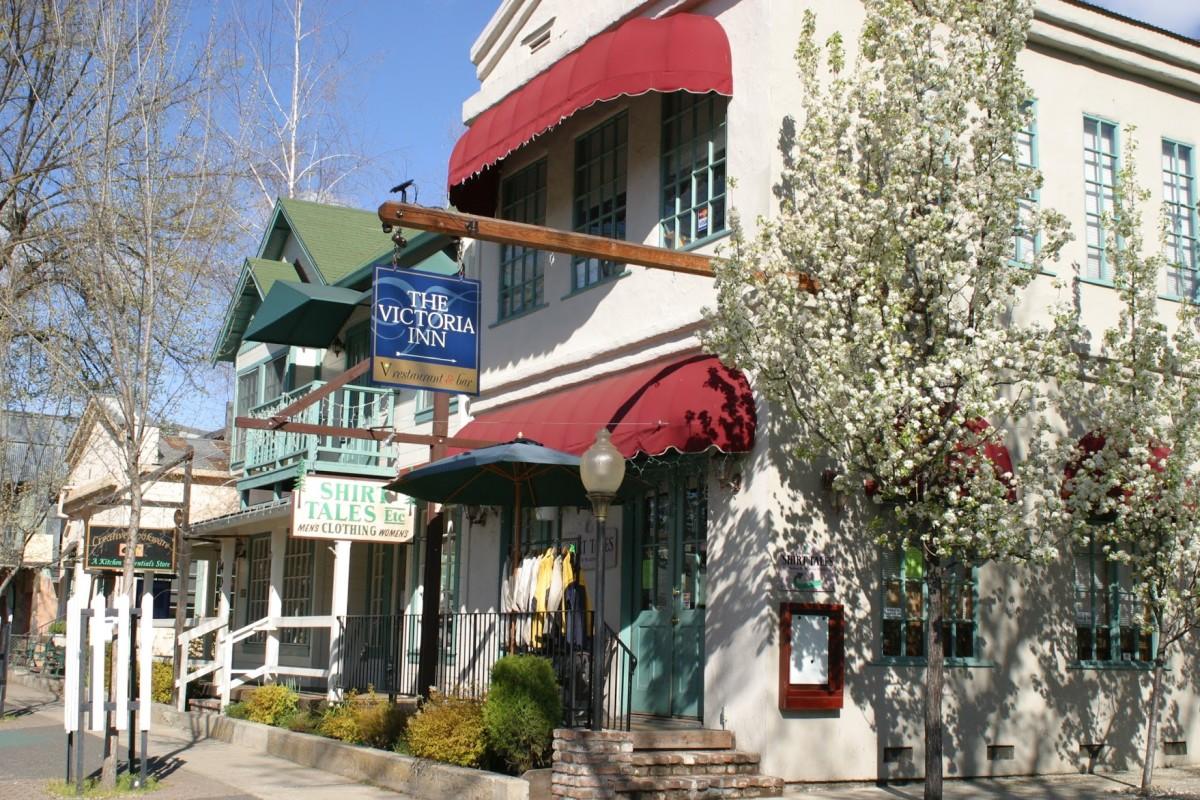 Murphys, CA (Courtesy Jenny Martin)