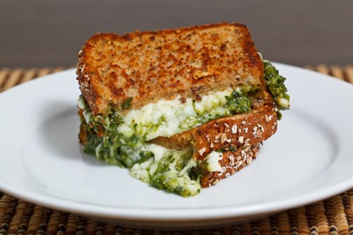 Spinach Pesto Grilled Cheese Sandwich - Closet Cooking