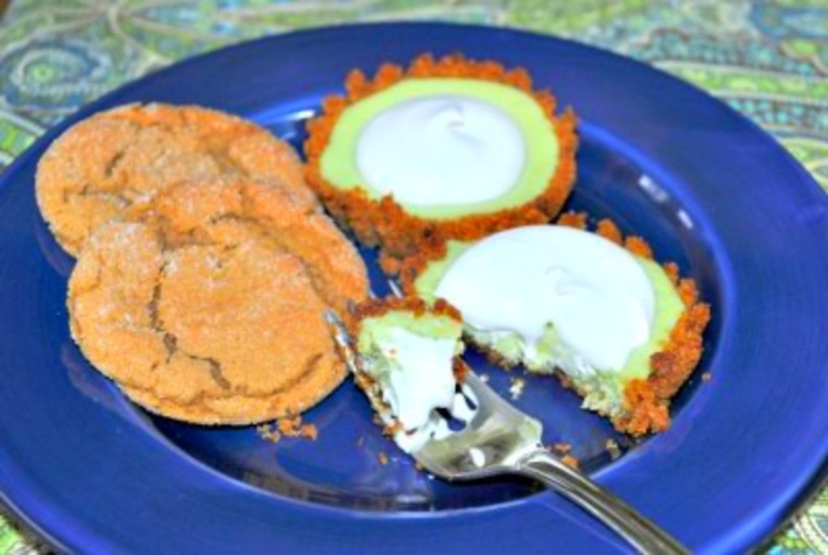 Mini-Key-Lime-Tarts-with-Gingersnap-Cookie-Crust-400x268