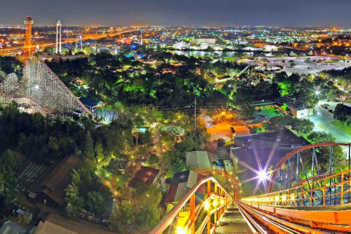 Fun-Family-Attractions-in-Texas--c93cbb84f9df4f989e3cfbe81c8458db