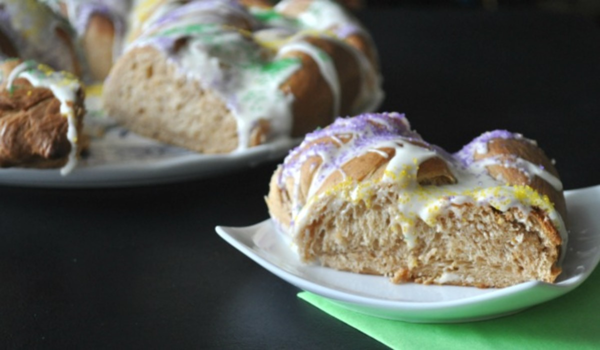 King Cake Recipe - Family friendly Mardi Gras Ideas - TodaysMama.com