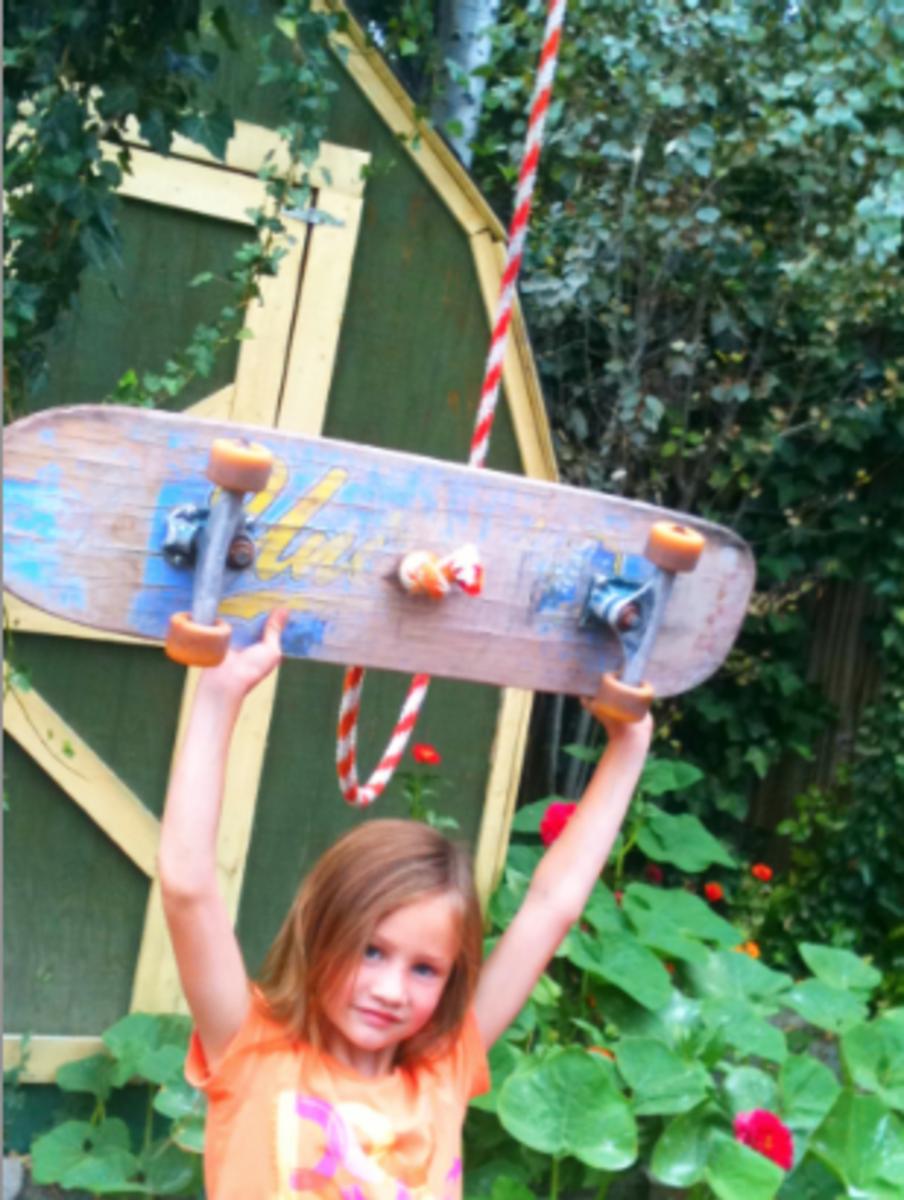 Skateboard Tree Rope Swing