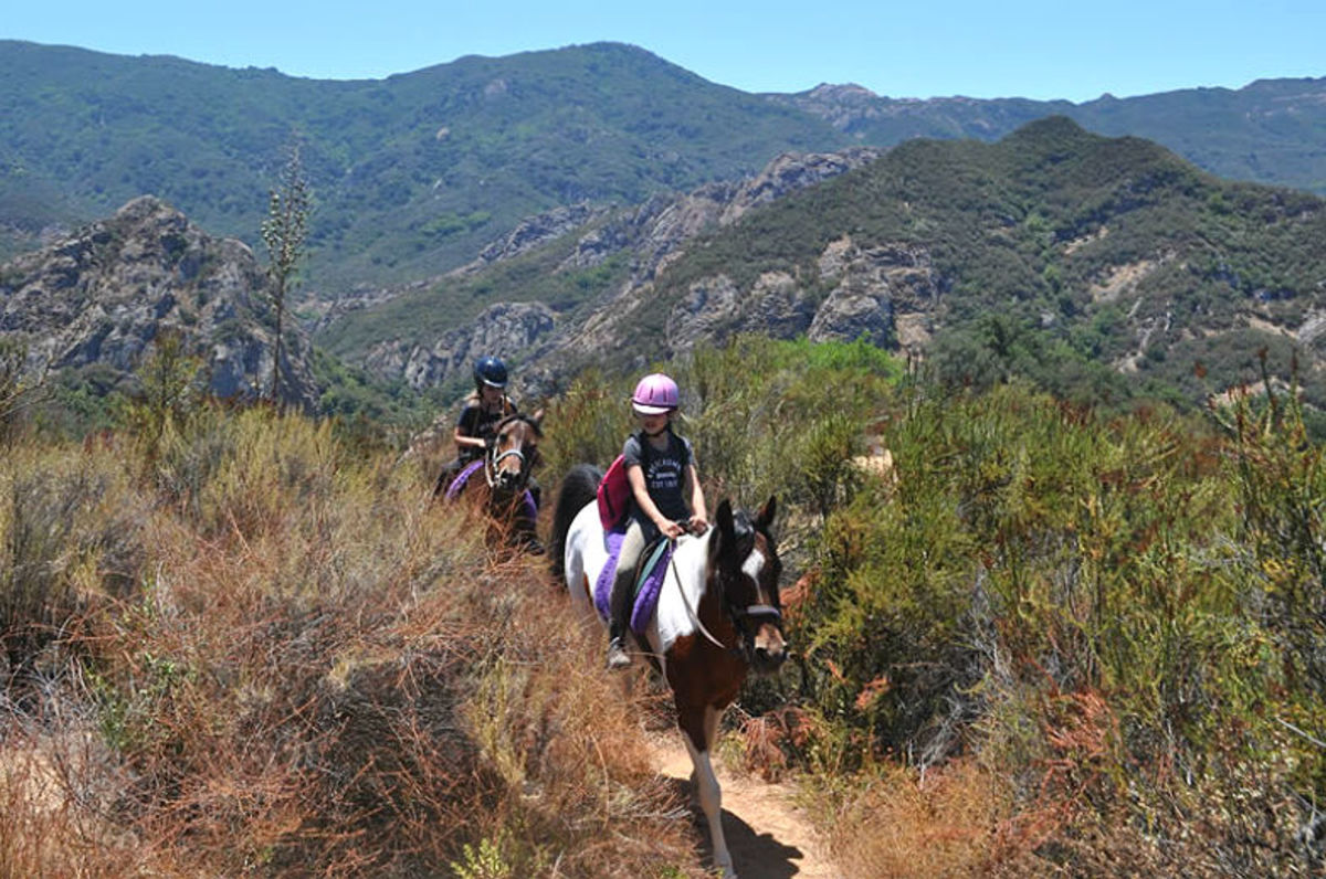 LAs-Horseback-Riding-Trails-to-Take-the-Kids-On-329405e93e3b41698048a667e647f47a