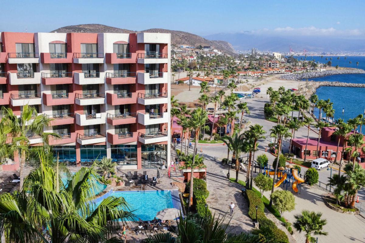 Hotel Coral & Marina (Photo: Michelle Rae Uy)