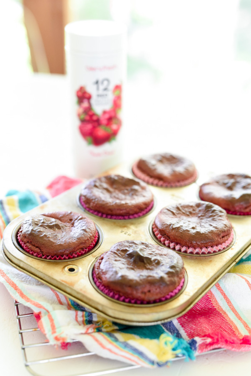 Almond Butter Banana Berry Muffins (gluten free and 7 simple ingredients!)