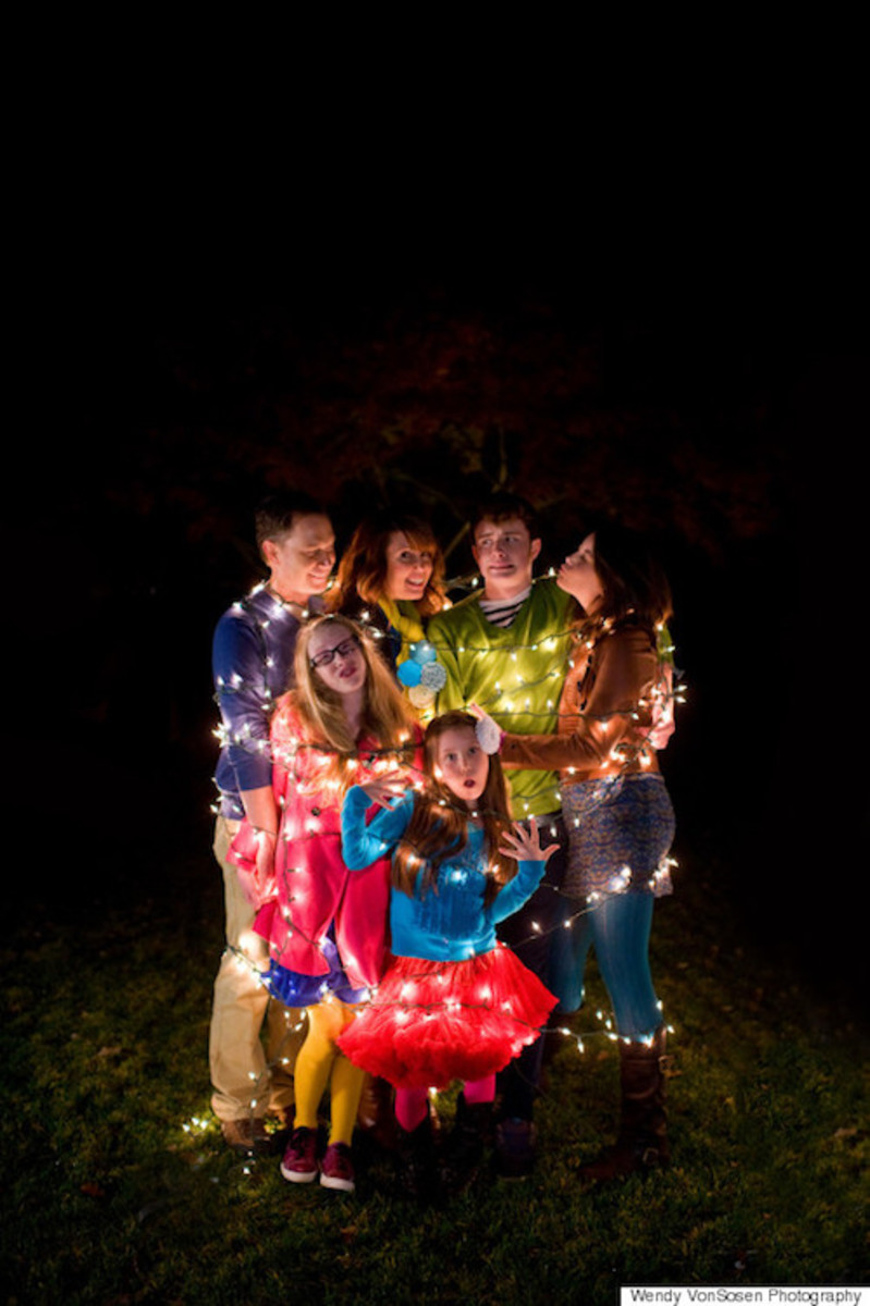 o-CHRISTMAS-LIGHTS-FAMILY-570
