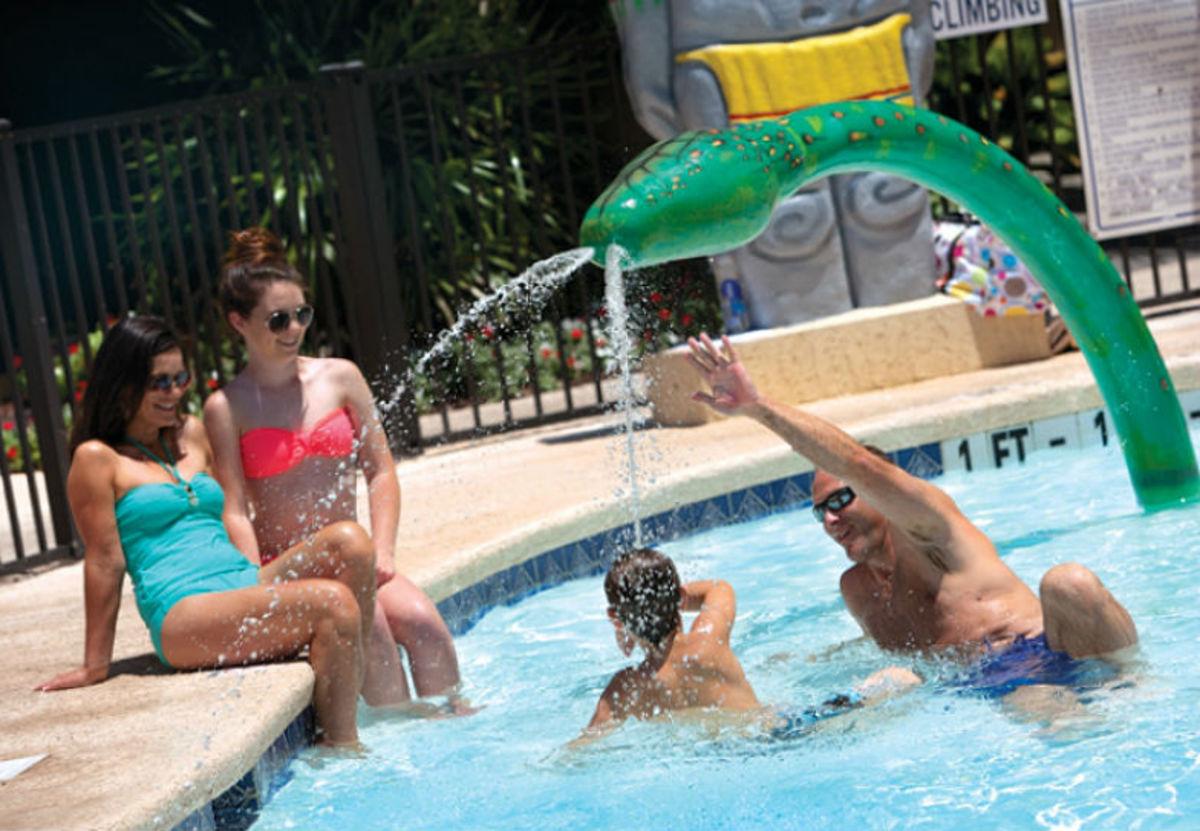 Best-FamilyFriendly-Hotels-in-Myrtle-Beach-SC-0a638c94e7c44458a34cc1e04d25ce00