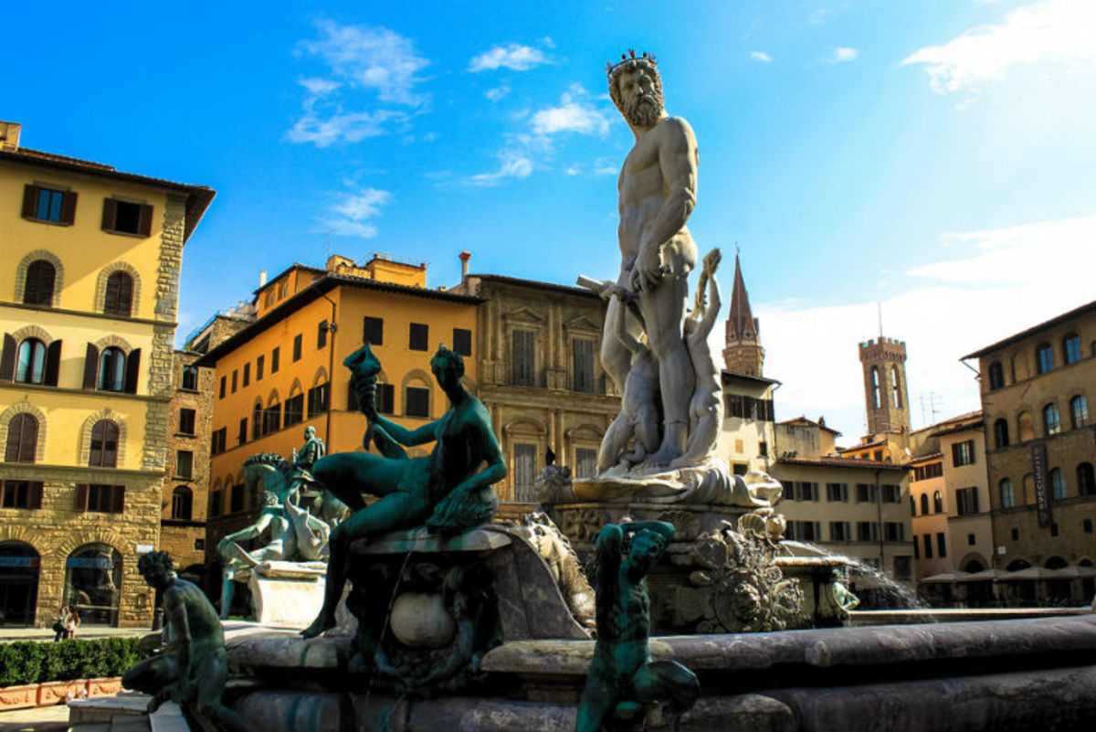 Fountain of Neptune at Piazza della Signoria (Flickr: Andy Hay)