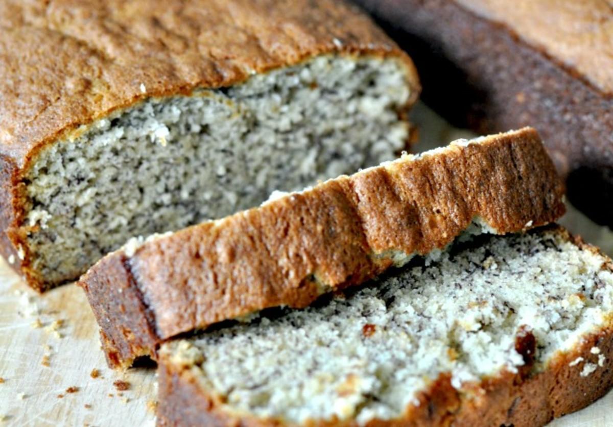 Easy Banana Bread Recipe - TodaysMama.com