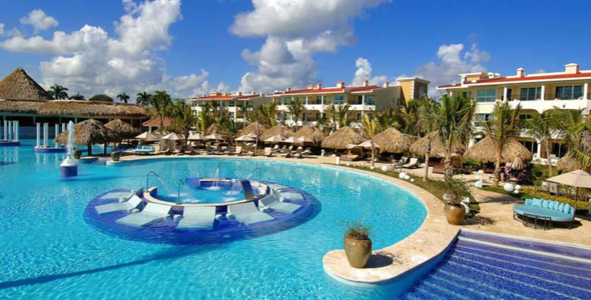 Jet-off-to-Warm-Destinations-with-These-Sunny-Deals-5c54954cff4c40ffb07f621800ff86b8
