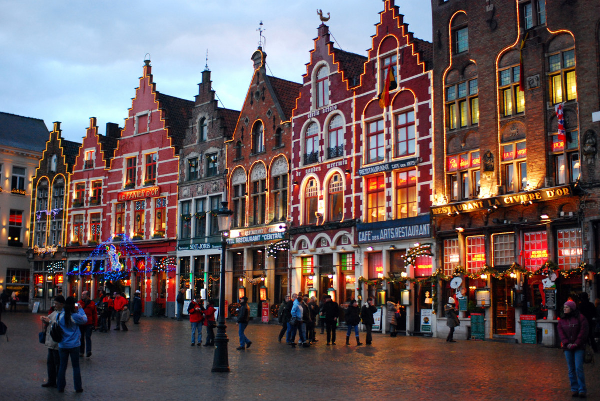 Markt on Christmas at Bruges (Flickr: Ricardo Samaniego)