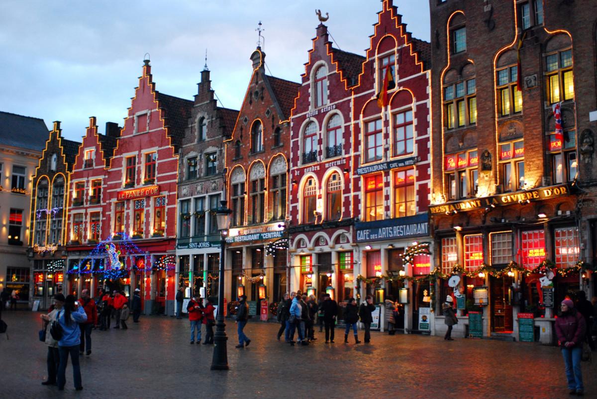 Markt on Christmas at Bruges (Flickr: Ricardo Samaniego)