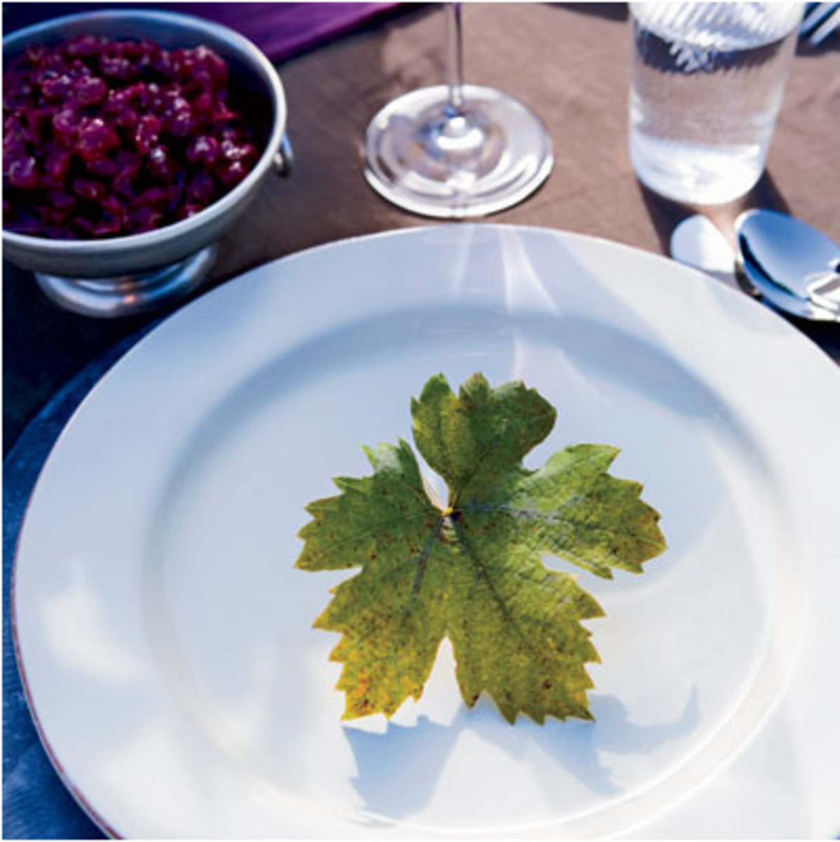 A vineyard leaf decorates plate