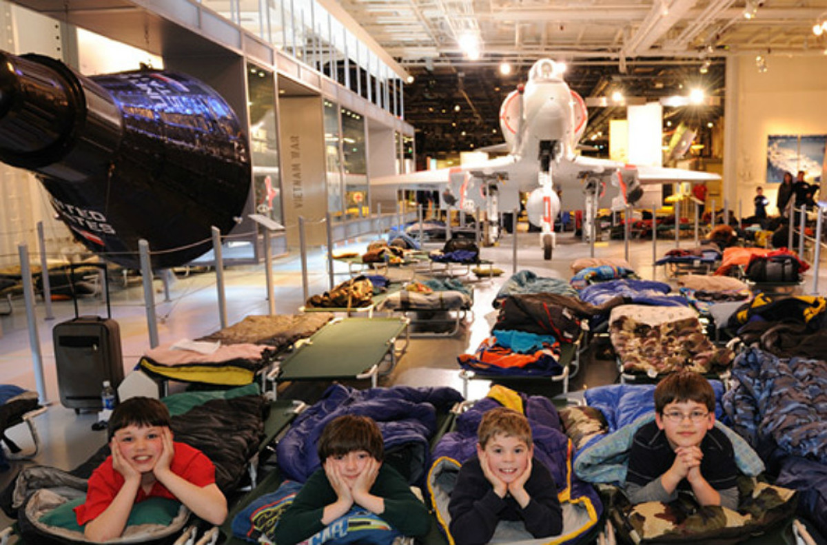 Four-NYC-Winter-Sleepovers-for-Kids-497cffa70ec34eaa8b631b27d2038da3