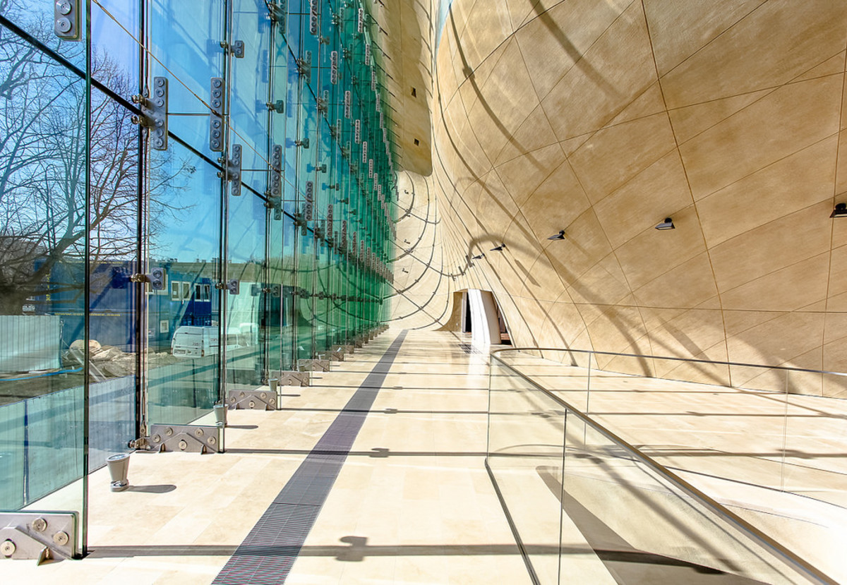 Museum of the History of Polish Jews is a must see historical site in Warsaw. (Flickr: Poland MFA)