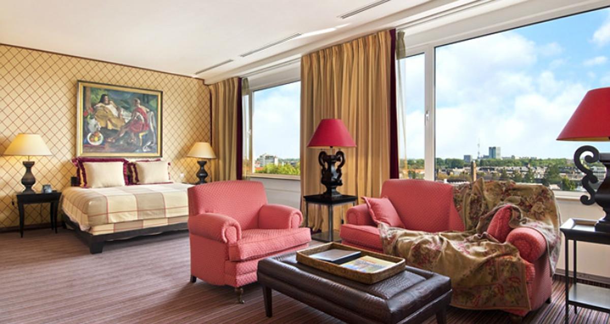 5-Affordable-Amsterdam-Hotels--733064602dc54acbb415d9a0560b8fc2