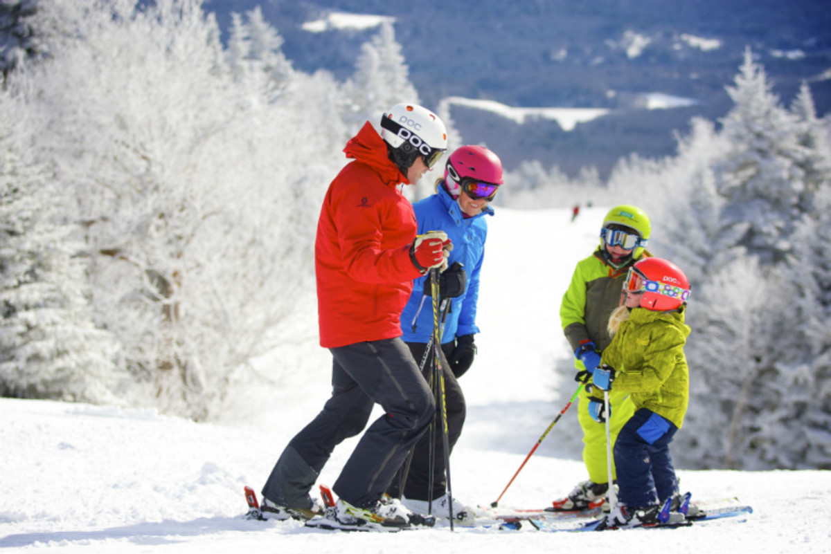 Superb-Ski-Deals-for-Family-Fun-on-the-Slopes-4213d8f8376749b68278412573fdc743