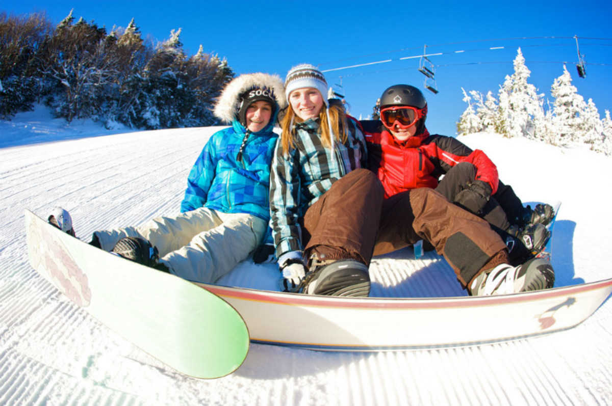 Superb-Ski-Deals-for-Family-Fun-on-the-Slopes-bd5adfad5f1b4cb6aed97f18c300c4ca