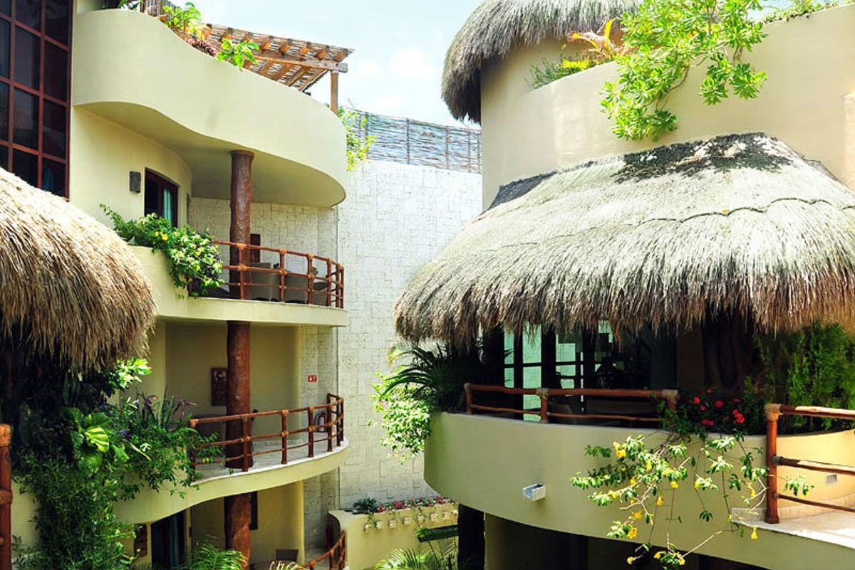Maya Villa Condo Hotel & Beachclub (Courtesy Maya Villa)
