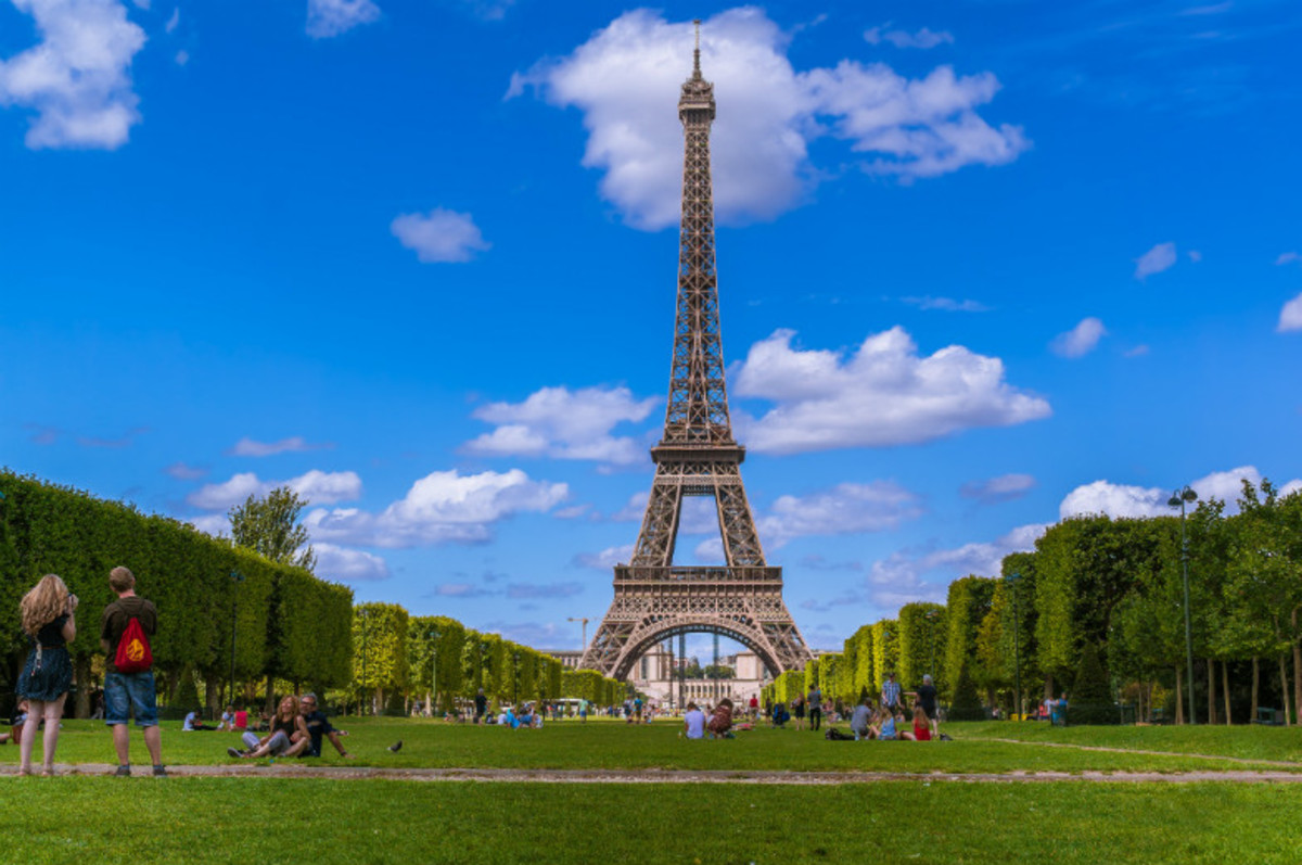 Paris-by-Neighborhood-244ea7f90d8a45ffb24c90f02a215d6a