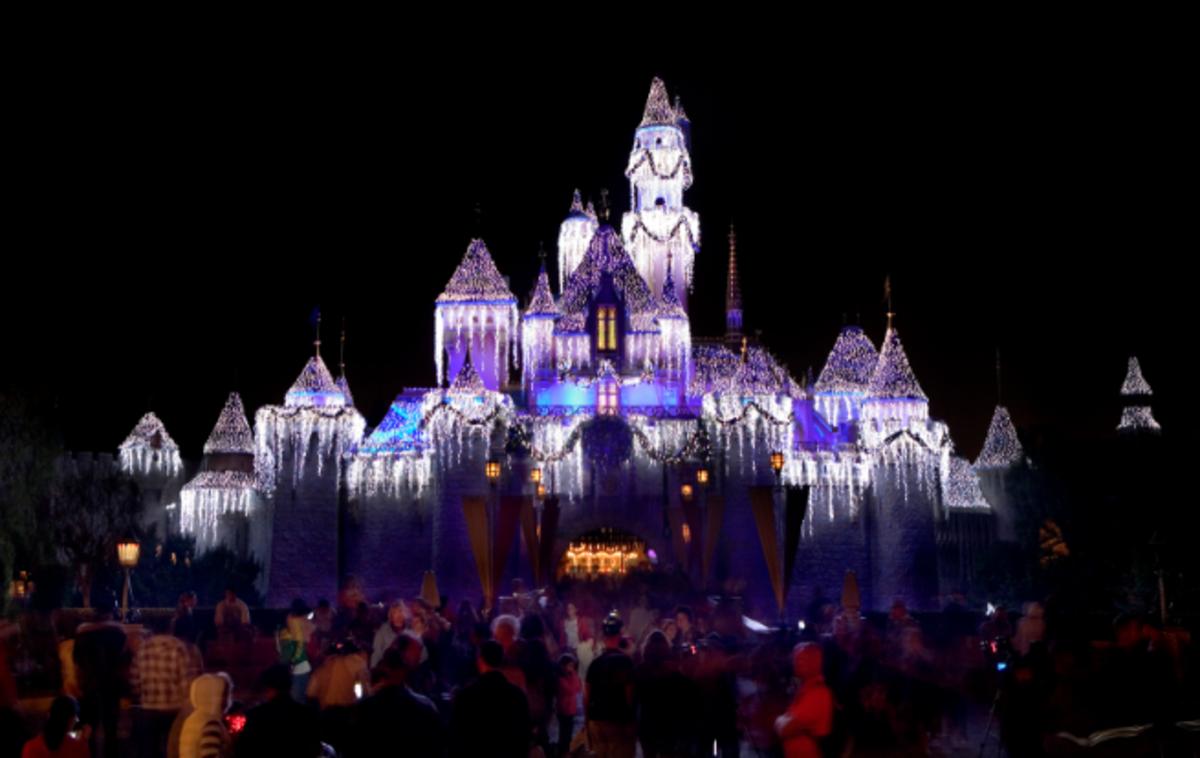 Disneyland for Christmas: Sleeping Beauty's Castle