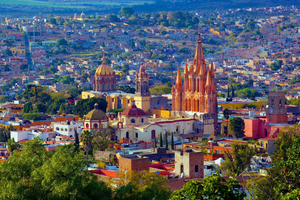 Picturesque San Miguel de Allende (Flickr: Jiuguang Wang)