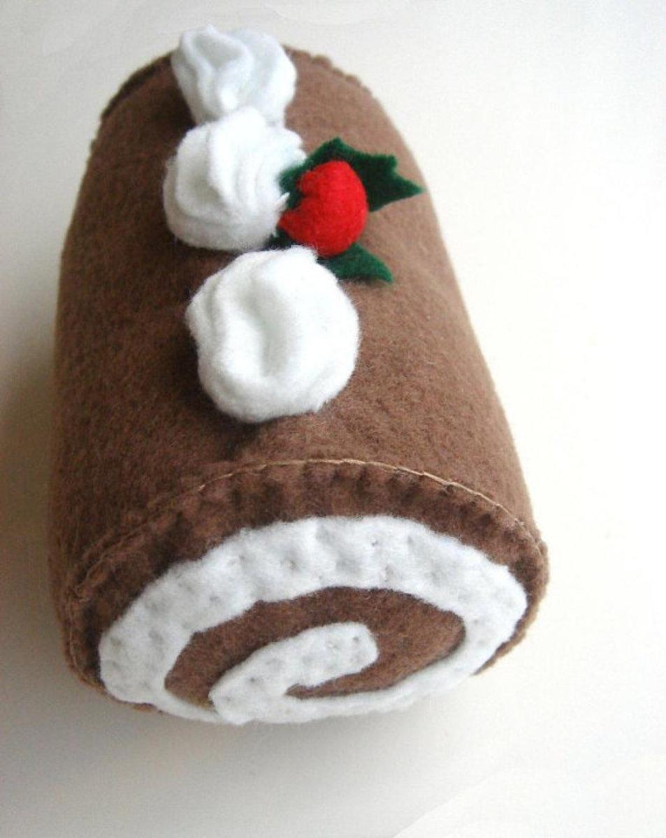 WildFlowerMakery's Hand Stitched Christmas Cake