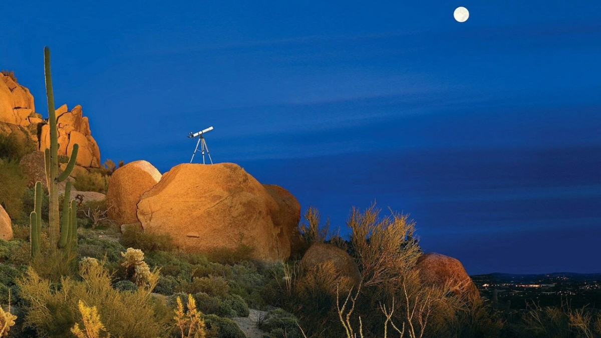 Four Seasons Resort Scottsdale at Troon North offers a guided stargazing activity complimentary to its guests. (Courtesy Four Seasons Resort)