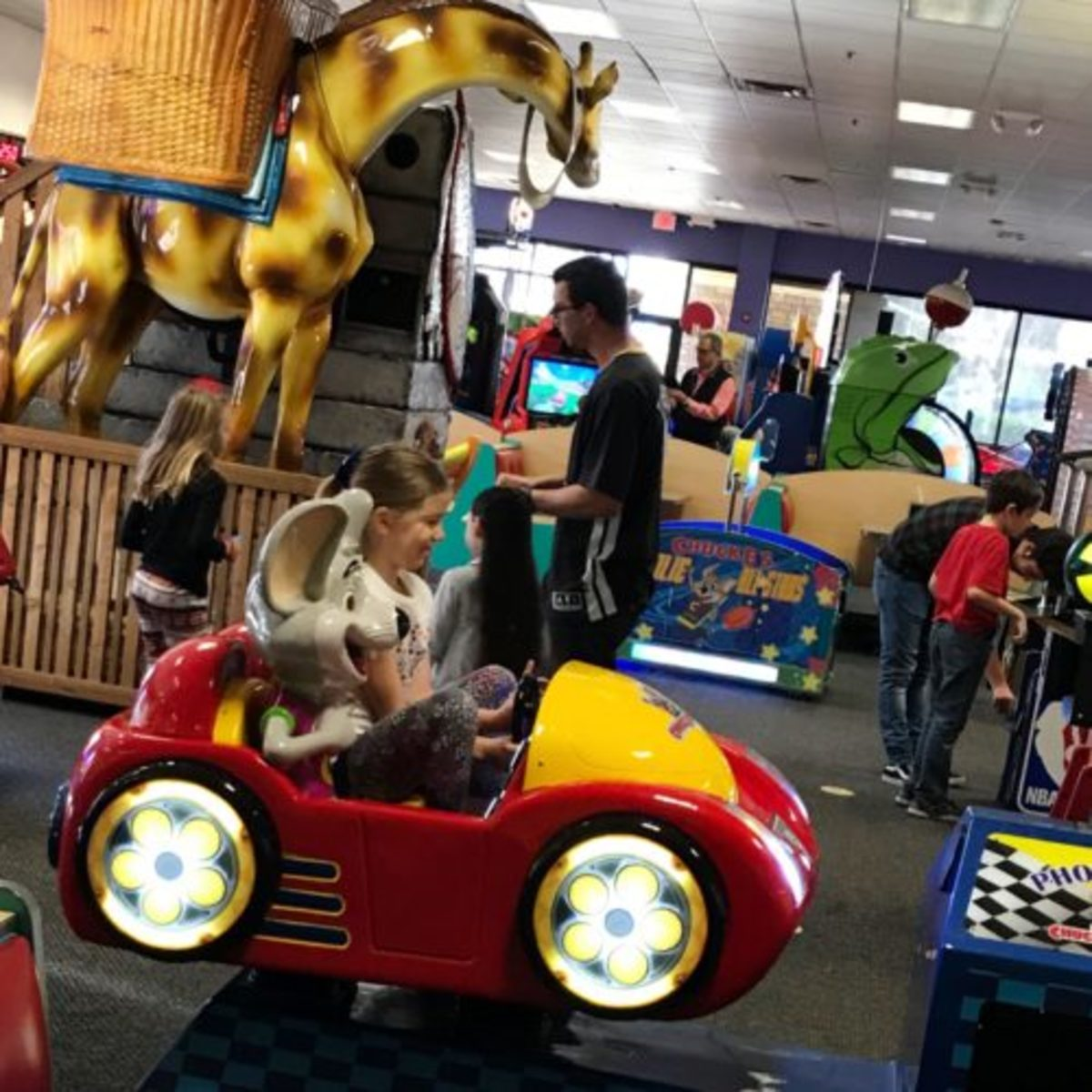 Chuck E. Cheese's NEEDS YOU to Take on GUINNESS WORLD RECORDS™