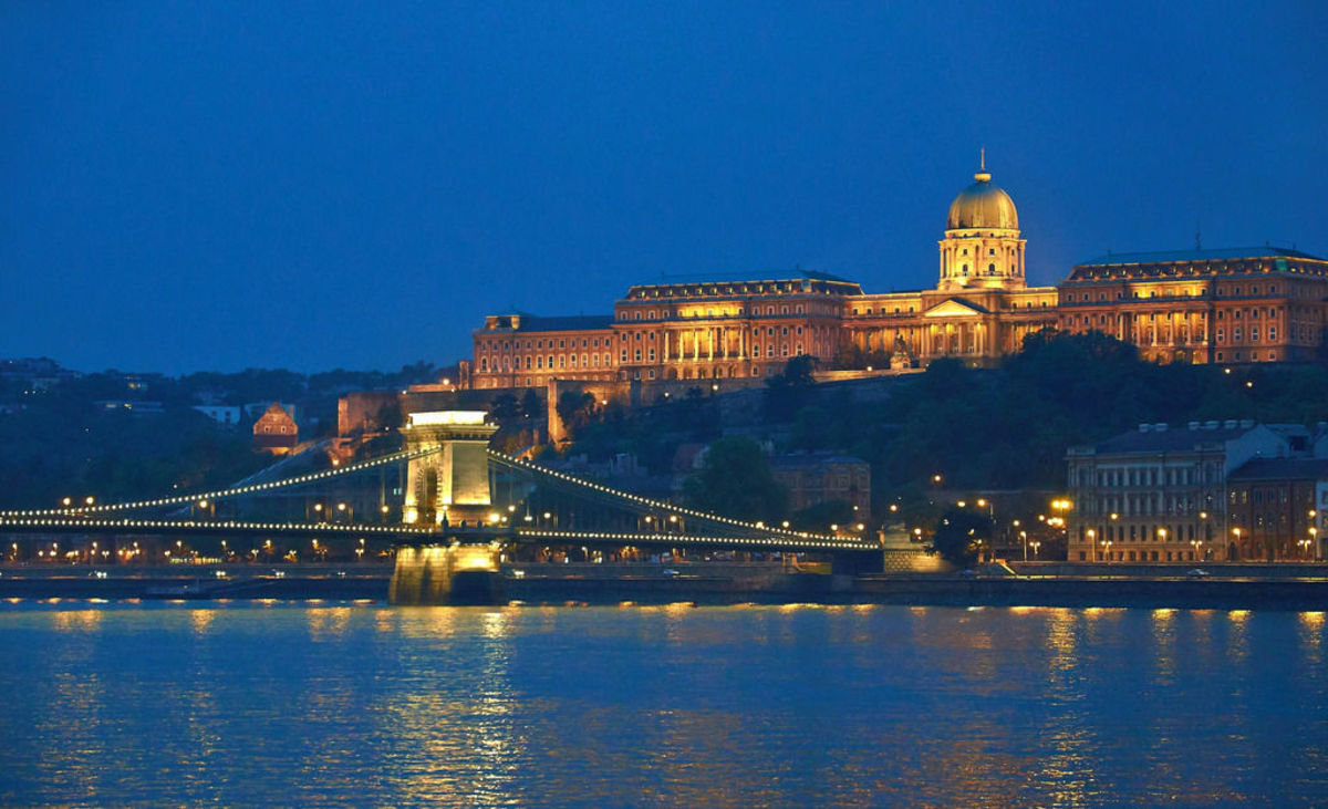 Buda Castle (Flickr: Moyan Brenn)