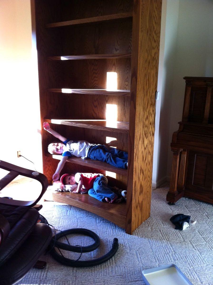 living-room-kids