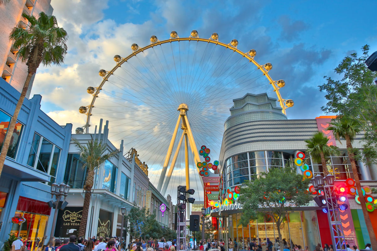 LINQ Promenade is one of Vegas' kid-friendly attractions for hip families. (Credit Caesars Entertainment)