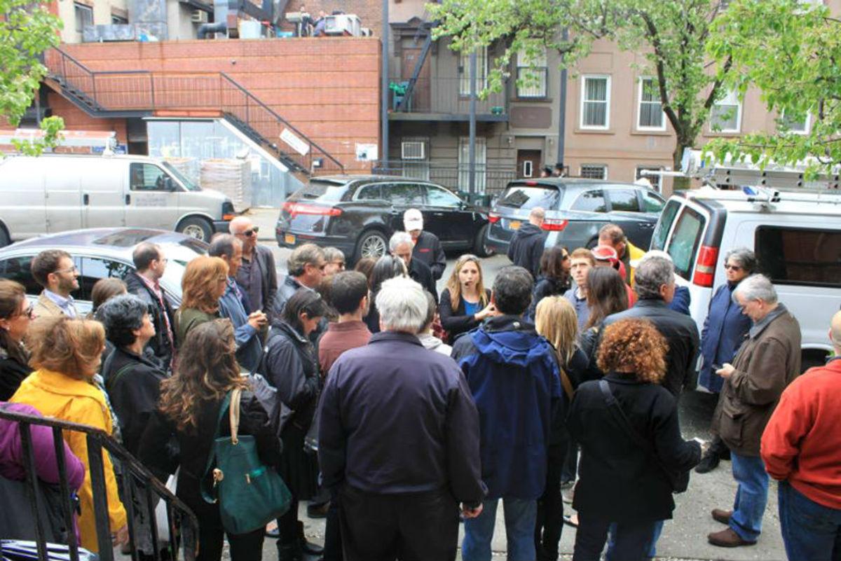 Five-FamilyFriendly-Walking-Tours-in-NYC-e49c93fb071842ff975ab6c233740b39