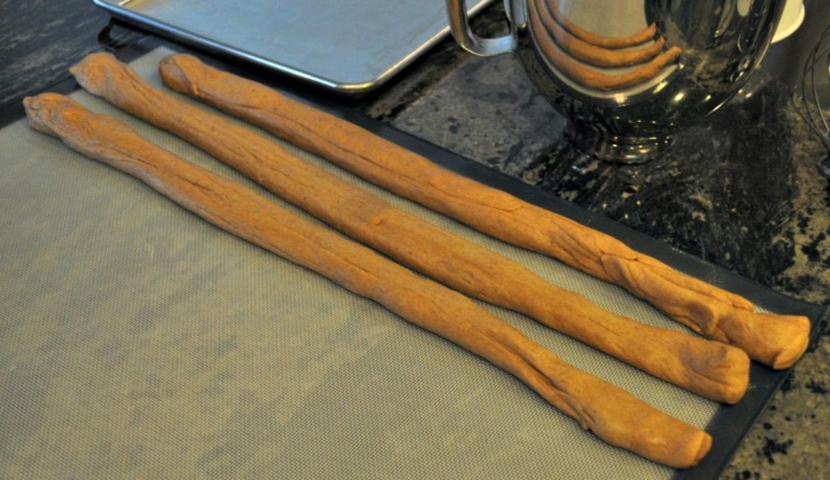 Traditional Kings Cake - 3 ropes of dough