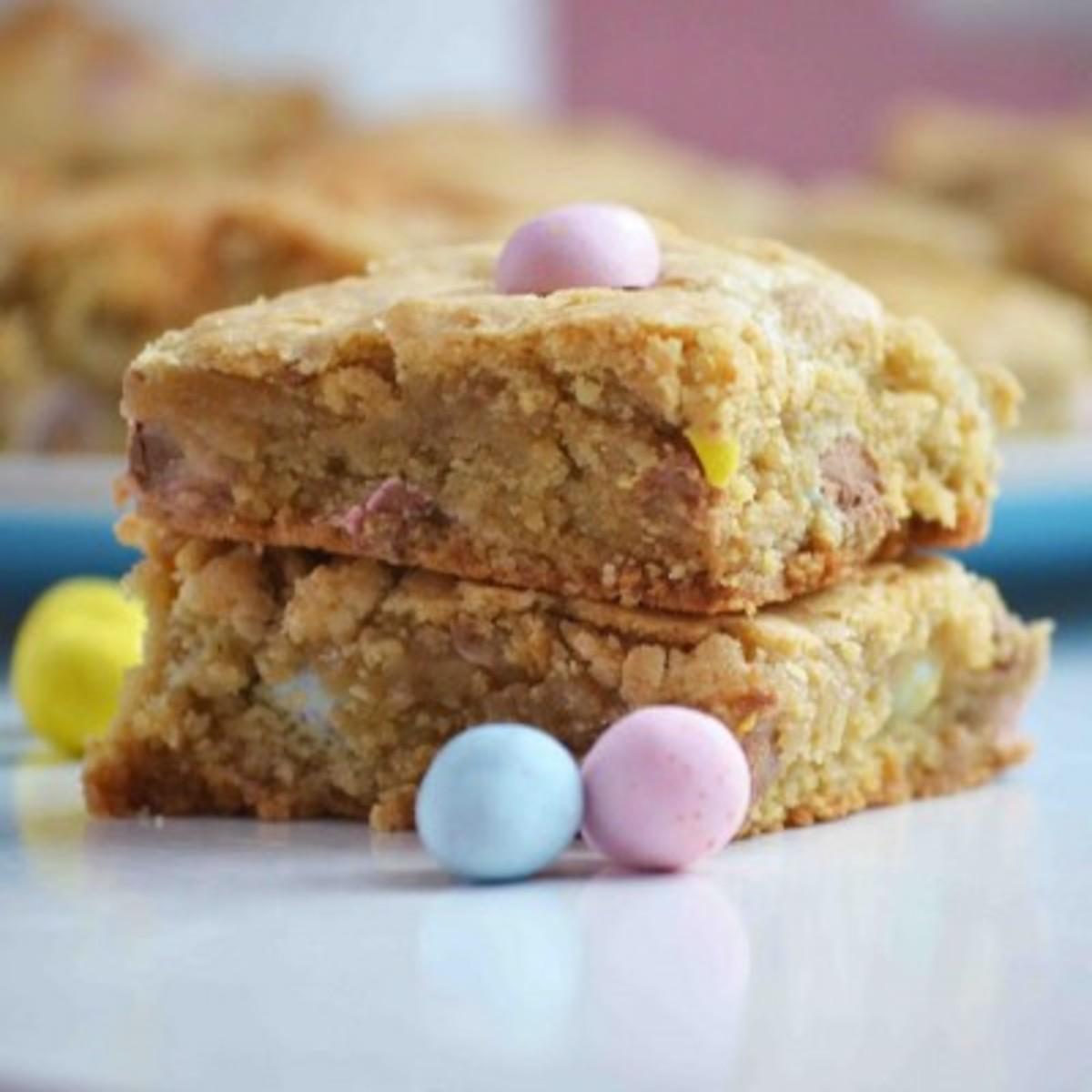 Cadbury Mini Egg Blondies - Image from Bakeaholic Mama