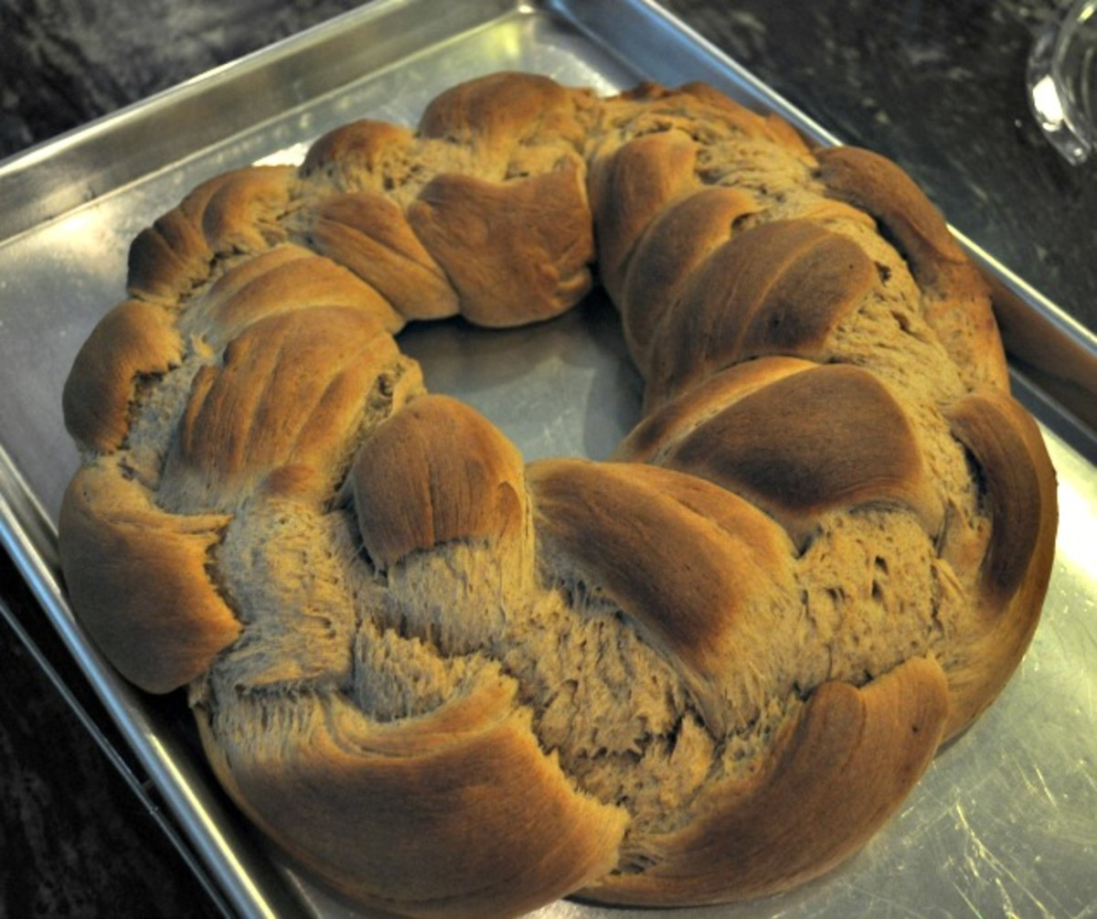 Traditional Kings Cake Recipe - Cooling