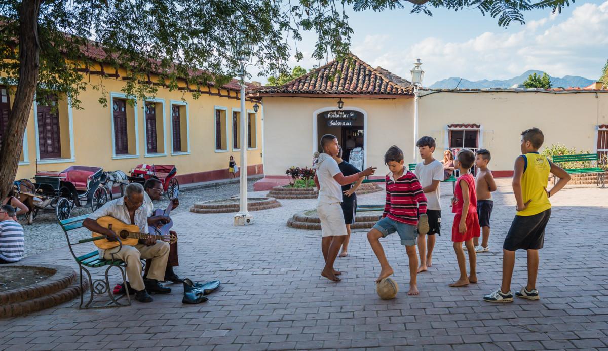 Kids in Trinidad (Photo: Sandra Foyt)