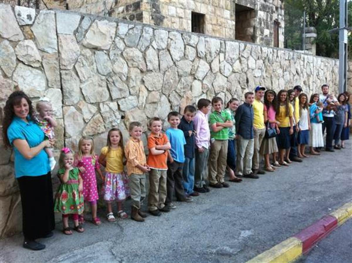 Duggars Visit Fertility Doctor in Hope of 20th Baby