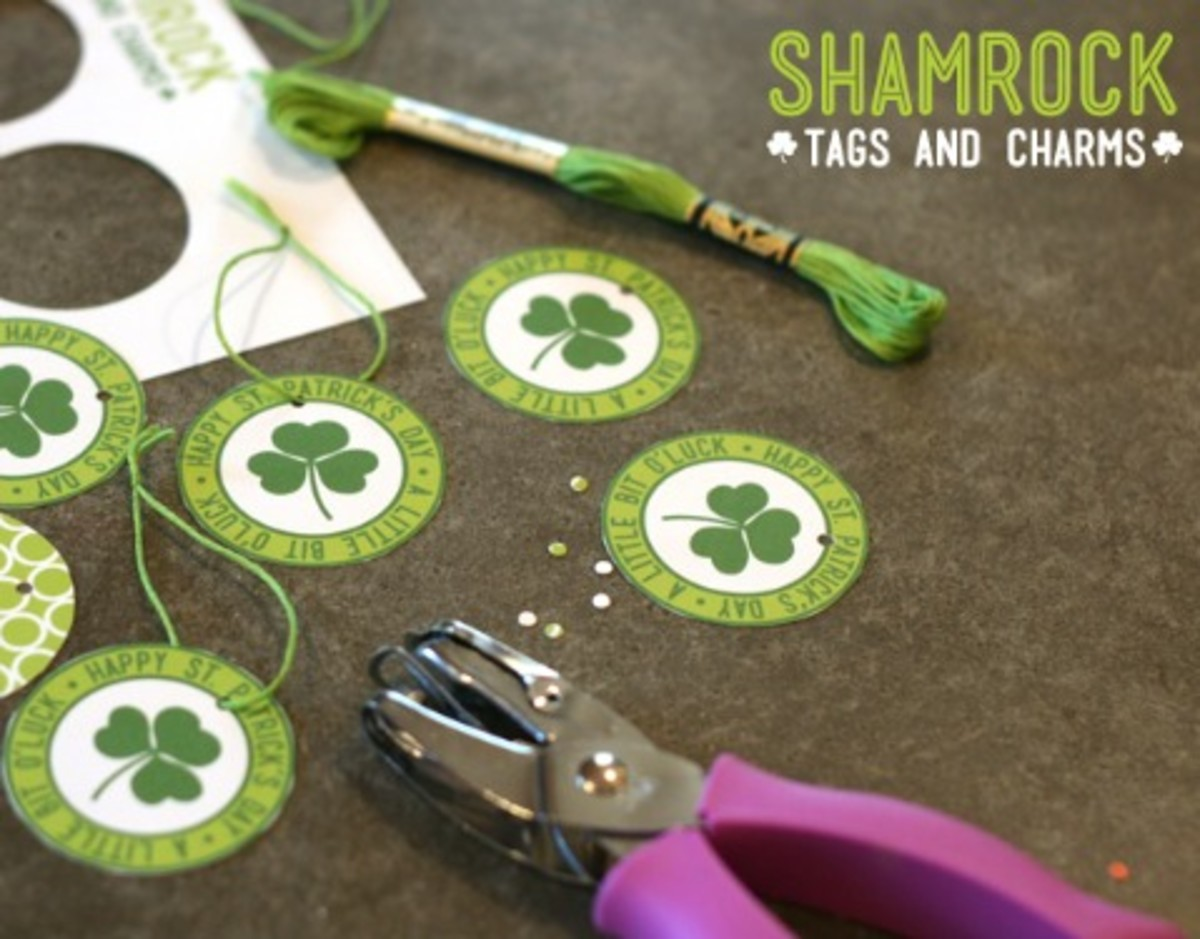 Preview photo of printable shamrock tags and charms