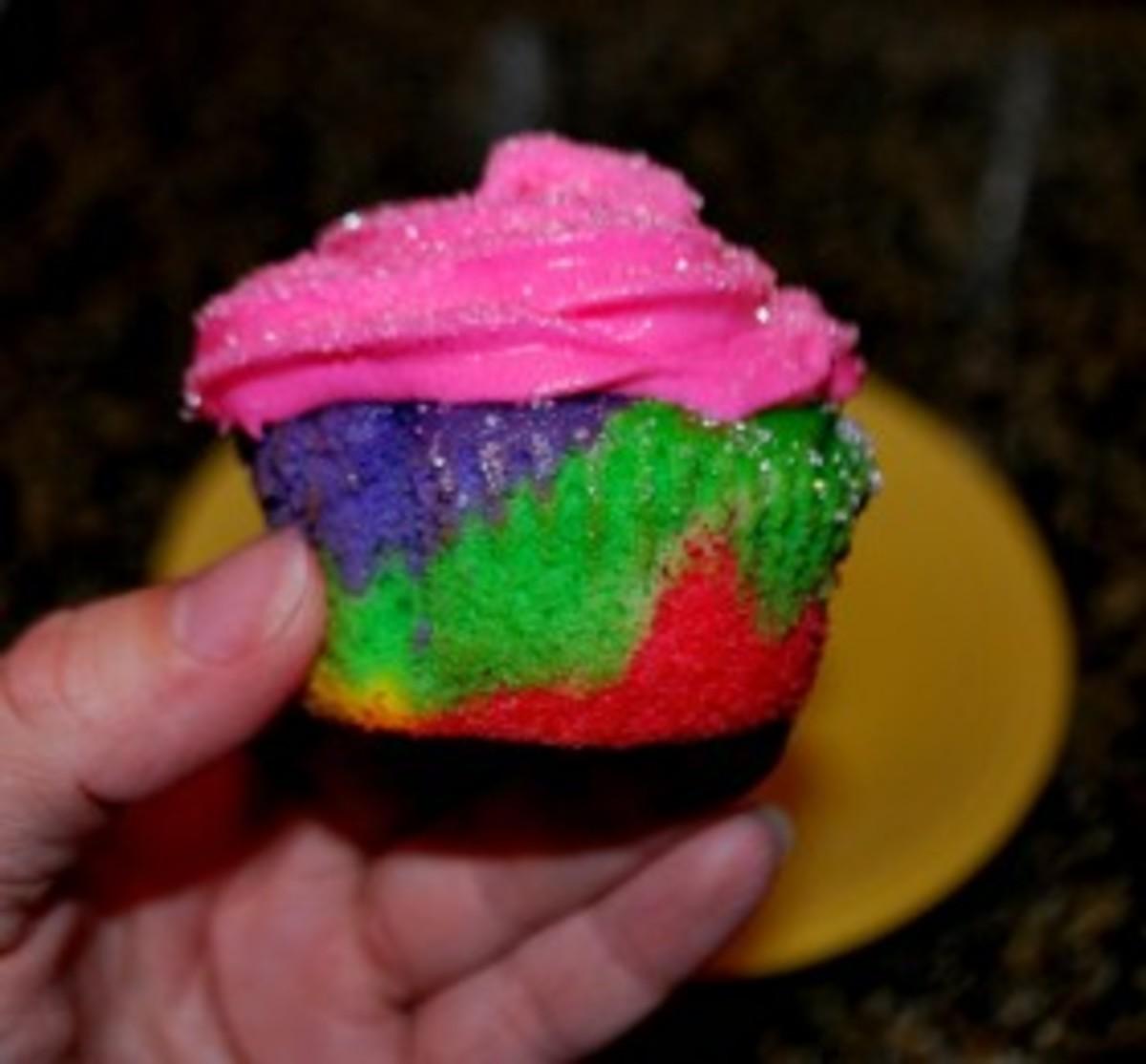 angry-julie-rainbow-cupcakes-280x260