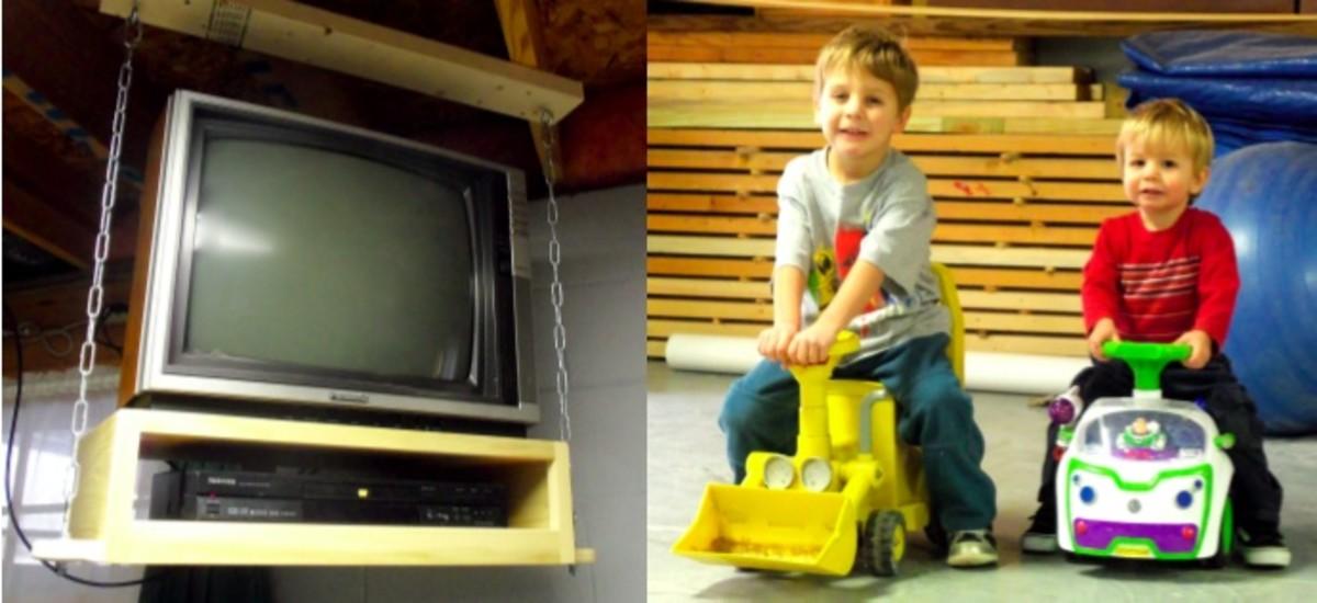 HangingTV_kids
