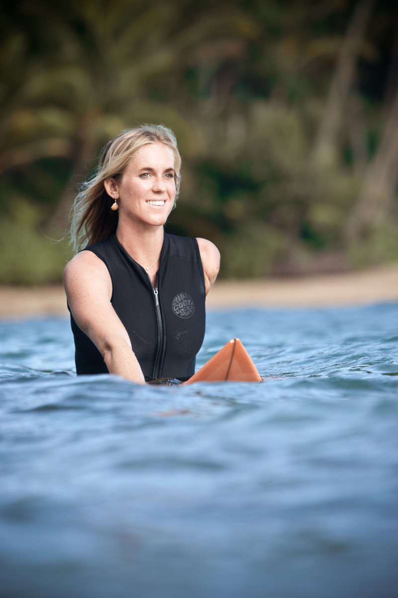 Bethany Hamilton on surf board