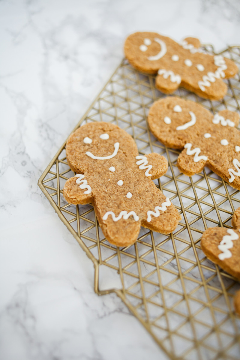 gingerbread man cake cookies