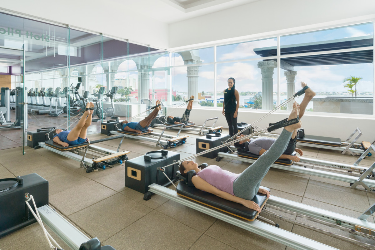 Hyatt-Zilara-Cancun-Sky-Gym-Pilates-Class